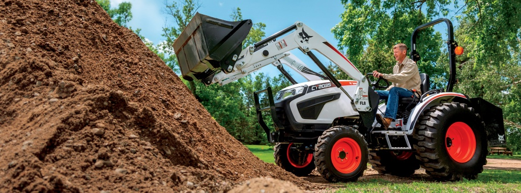 New Compact Tractors at Lodemeiers